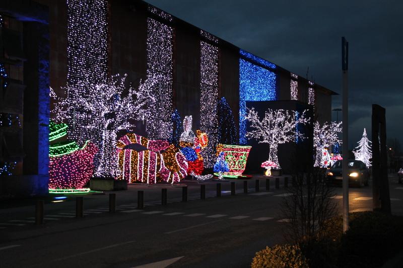 Illuminations de Noël le dimanche 17 décembre - Page 2 Img_7014