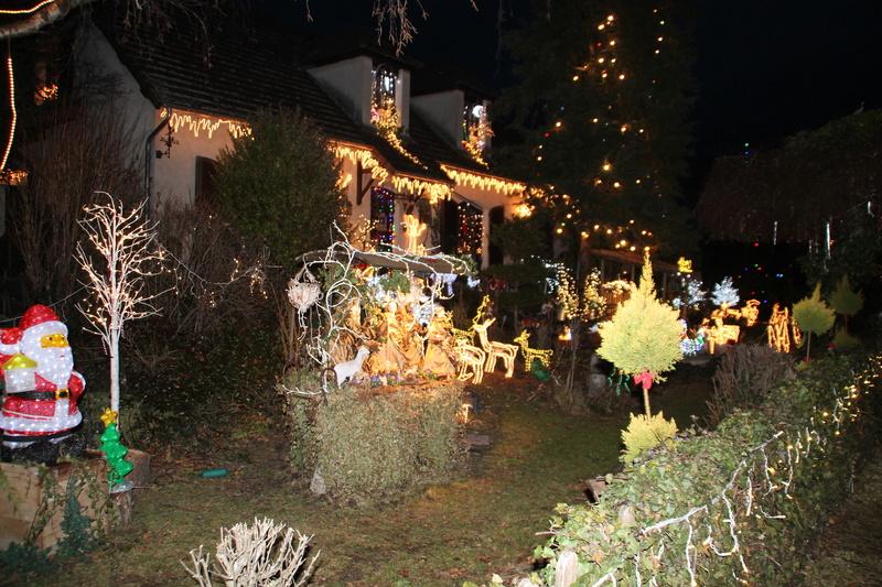 Illuminations de Noël le dimanche 17 décembre - Page 2 Img_7016