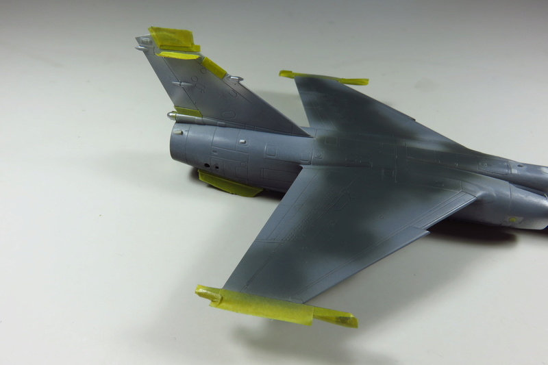 Mirage F1 CR Epervier  Spécial Hobby 1/72è Img_3634