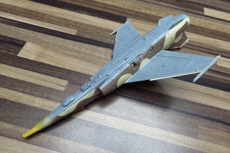 Mirage F1 CR Epervier  Spécial Hobby 1/72è Img_3650