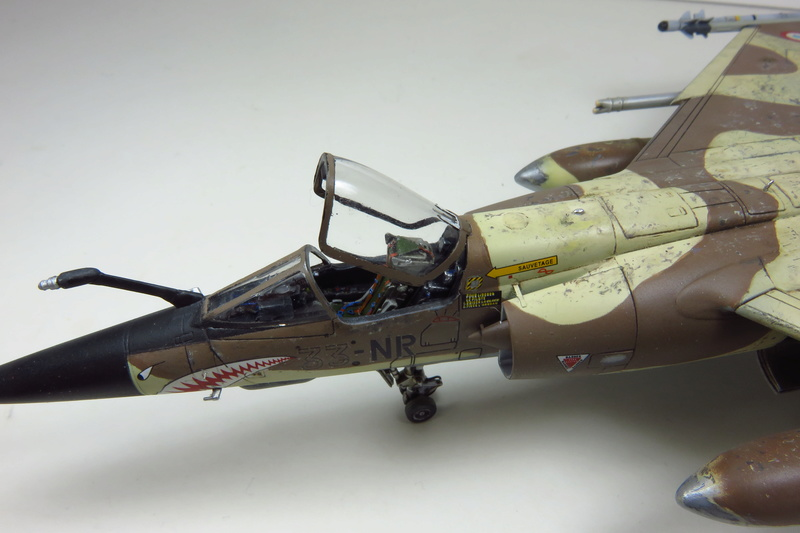 Mirage F1 CR Epervier  Spécial Hobby 1/72è Img_3721