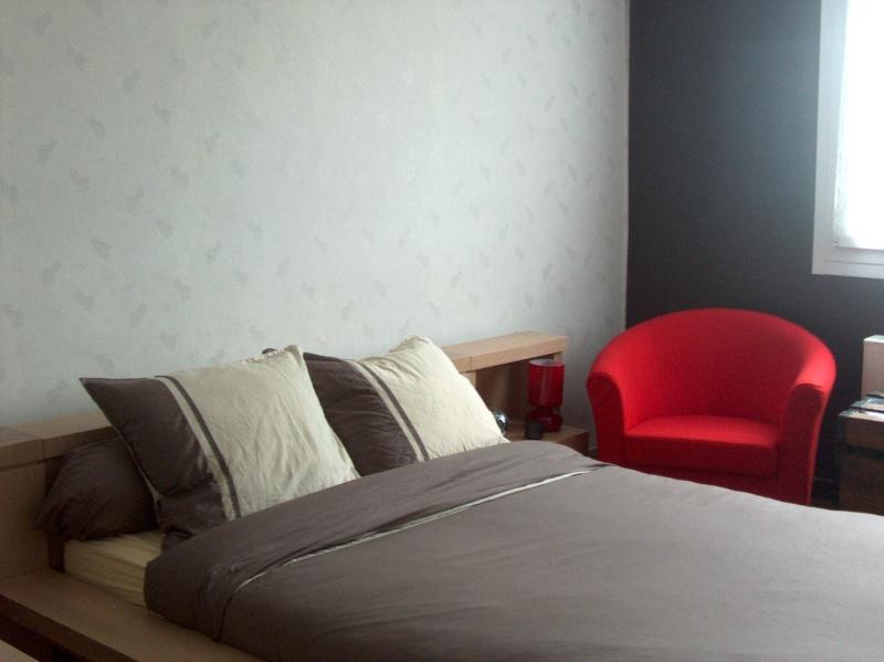 Quels couleurs des murs d'une chambre avec un perquet vert amande??? Hpim1710