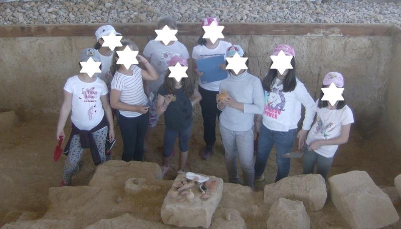 Παίρνοντας μέρος σε μια ανασκαφή Hpim6712