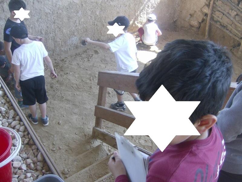 Παίρνοντας μέρος σε μια ανασκαφή Hpim6716