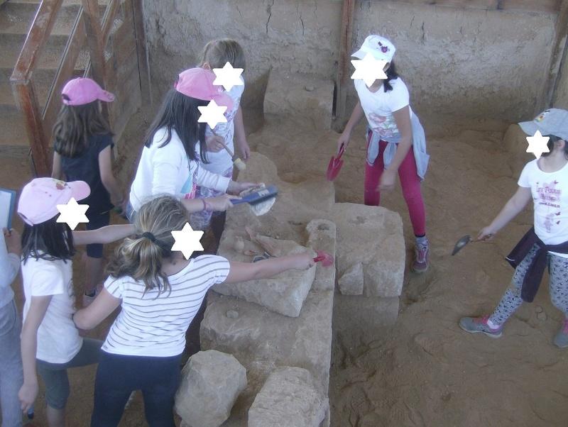Παίρνοντας μέρος σε μια ανασκαφή Hpim6720