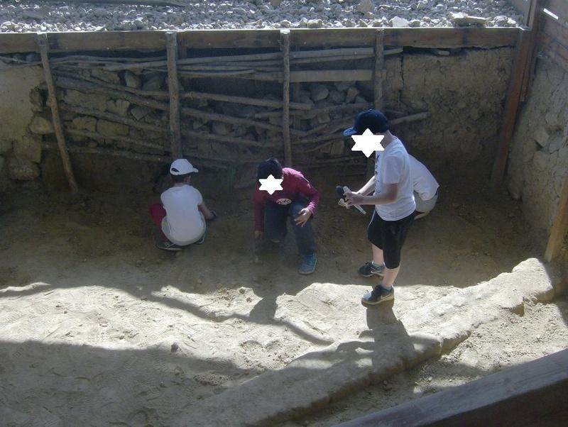 Παίρνοντας μέρος σε μια ανασκαφή Hpim6726