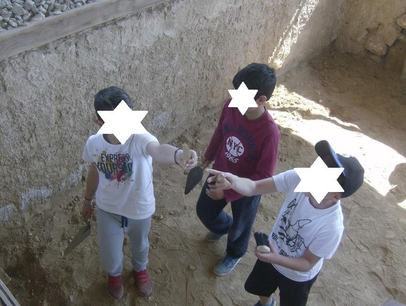 Παίρνοντας μέρος σε μια ανασκαφή Hpim6727