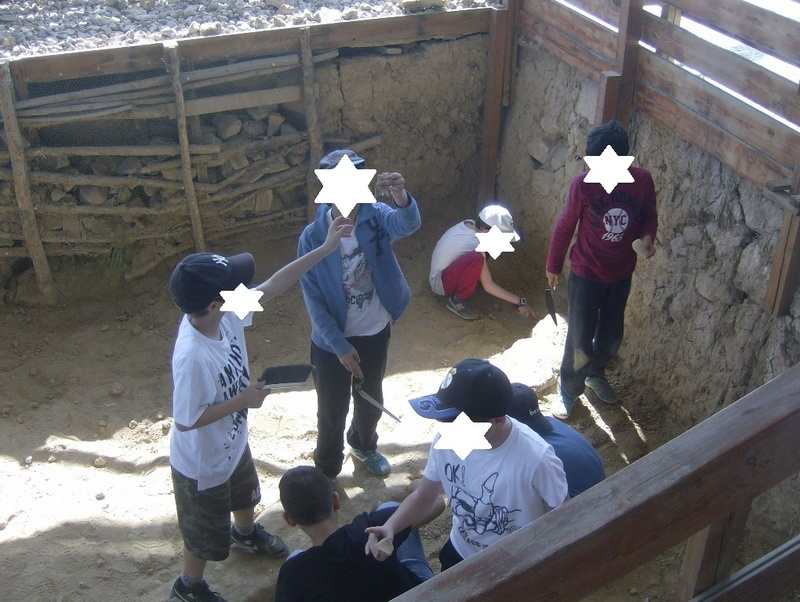 Παίρνοντας μέρος σε μια ανασκαφή Hpim6728