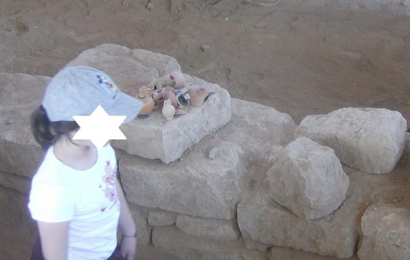 Παίρνοντας μέρος σε μια ανασκαφή Hpim6814