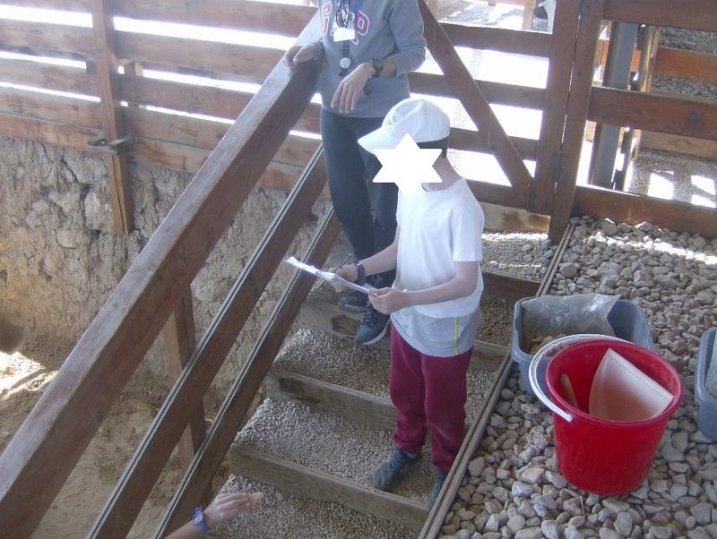 Παίρνοντας μέρος σε μια ανασκαφή Hpim6816