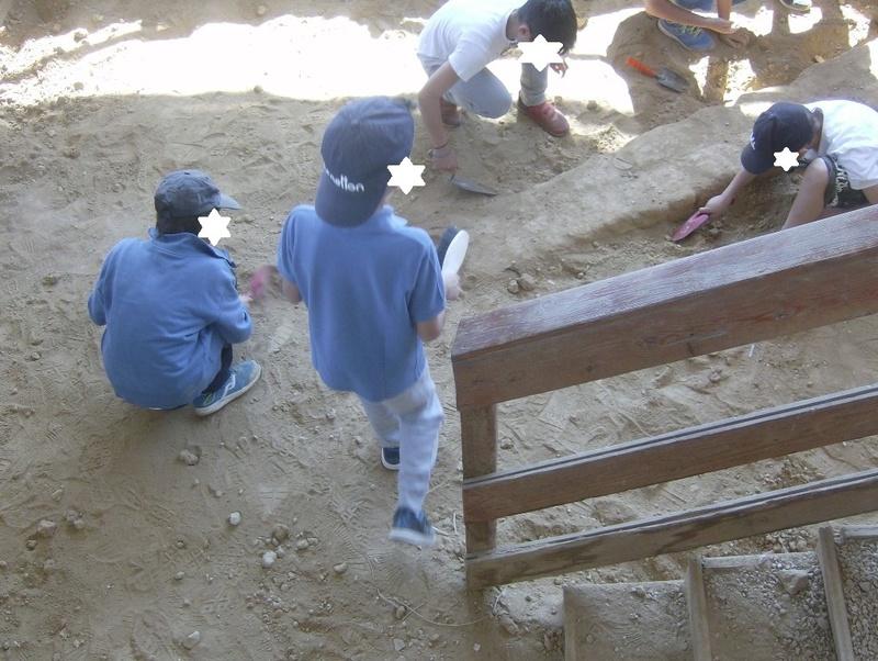 Παίρνοντας μέρος σε μια ανασκαφή Hpim6817