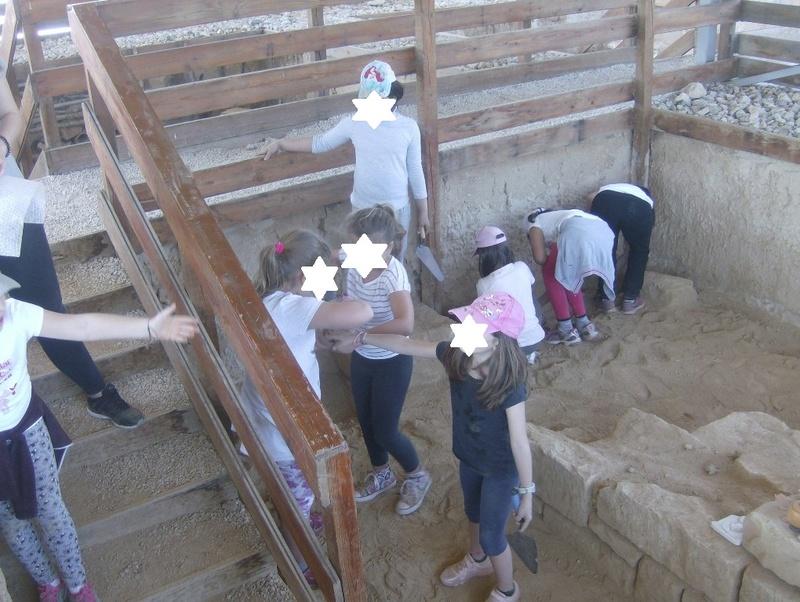 Παίρνοντας μέρος σε μια ανασκαφή Hpim6818