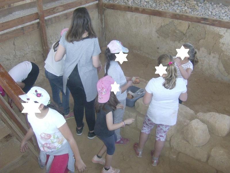 Παίρνοντας μέρος σε μια ανασκαφή Hpim6821