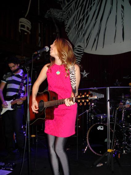 PHOTOS (Tournée 2009-2010 et show case 2011) 0110