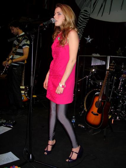 PHOTOS (Tournée 2009-2010 et show case 2011) 0210