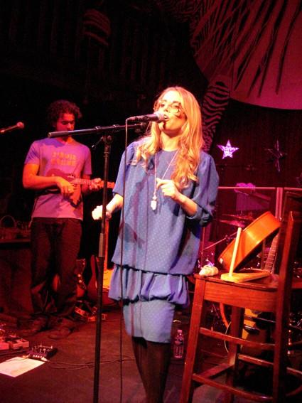 PHOTOS (Tournée 2009-2010 et show case 2011) 0510