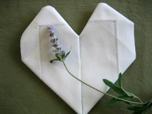 Gấp khăn ăn đẹp cho bàn tiệc Heart10