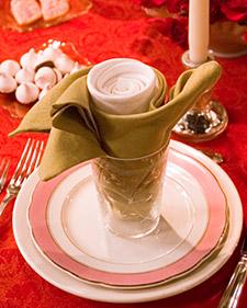 Gấp khăn ăn đẹp cho bàn tiệc Hoahon10