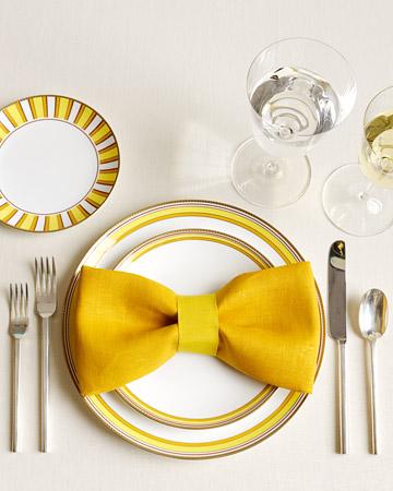 Gấp khăn ăn đẹp cho bàn tiệc No10