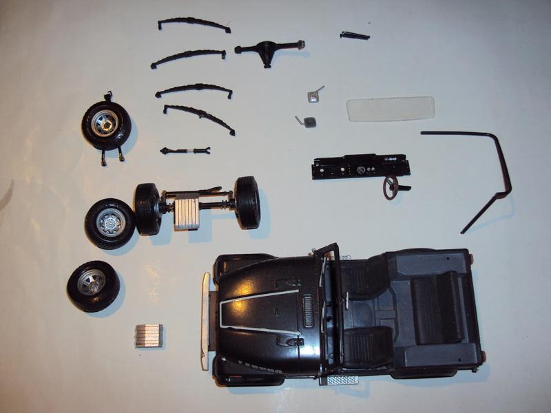 Vends 3 kits montés : Jeep Laredo, Bronco & Porsche 934 Dsc03140