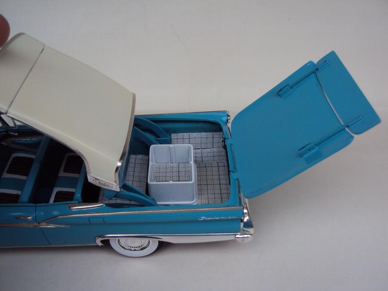 Ford '59 Skyliner retractable (fonctionnelle !) Dsc03178
