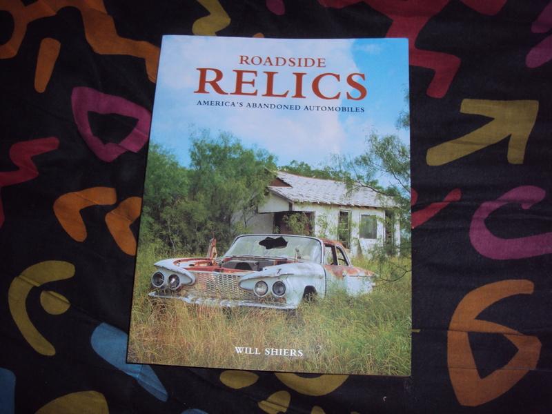 "Livre américain ""Roadside Relics"" neuf  Dsc03351"