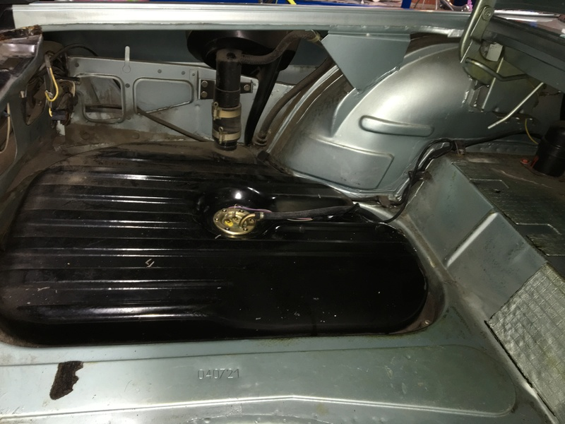 """Alfa Spider S3 1983: Aspect """"rugueux"""" du spoiler AV Img_1411"""