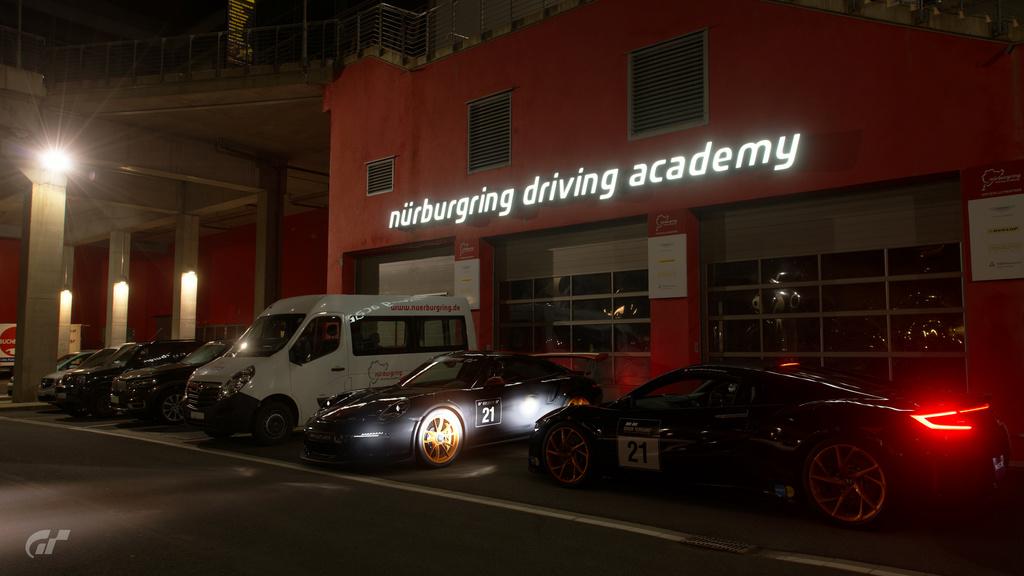 Gran Turismo (sport et les autres aussi) 20180254