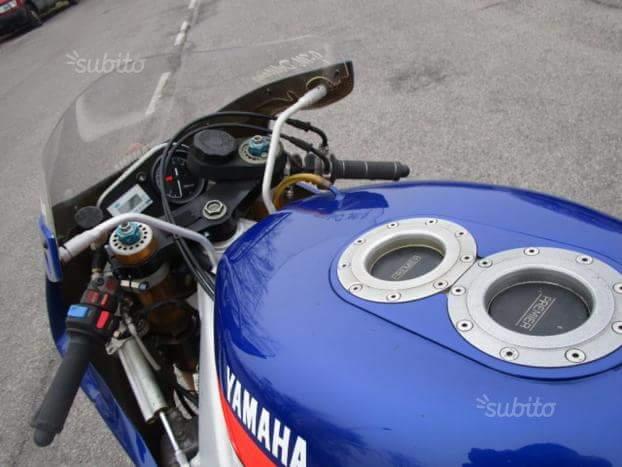 Yamaha 750 YZF  - Page 4 Fb_img16