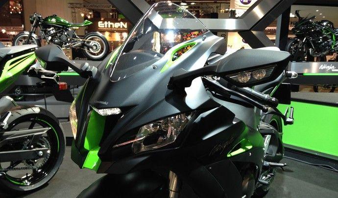 Kawasaki ZX10R 2016  et ZX10RR 2017 - Page 23 S7-sal10