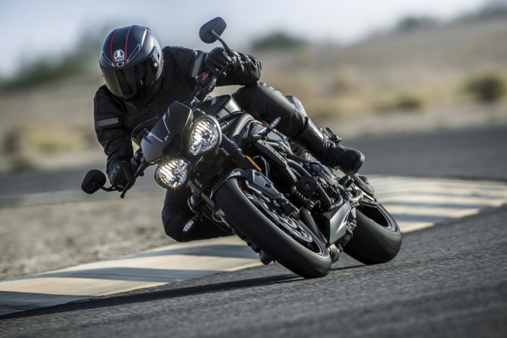 Speed  Triple 2018 Triump14