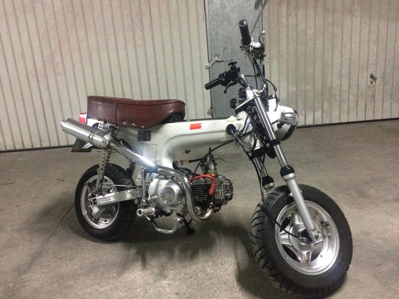 Vous rouler aussi à moto ... Montrez nous vos belles  29101510