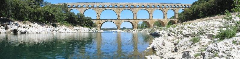 Vers Pont-du-gard (30210) 1000px10