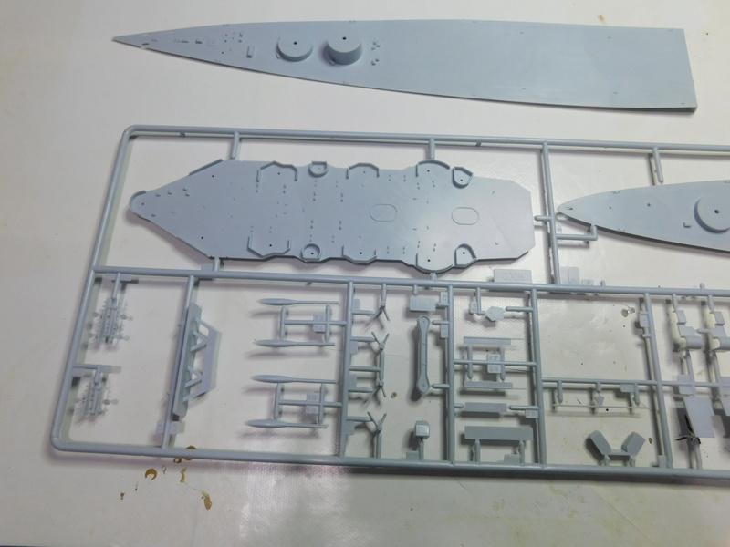 HMS Hood  Heller au 1/400 Dscn4911