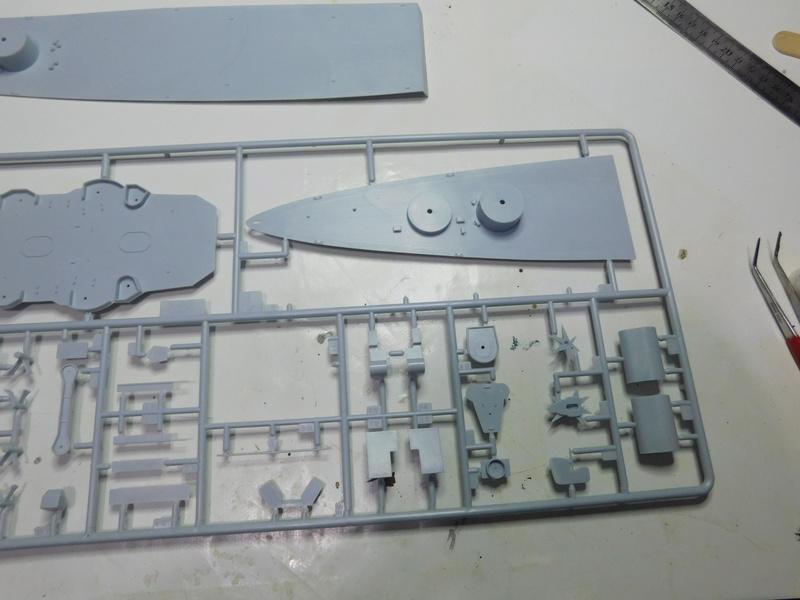 HMS Hood  Heller au 1/400 Dscn5015