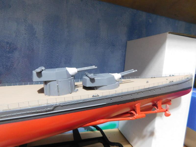 HMS Hood  Heller au 1/400 - Page 2 Dscn5125