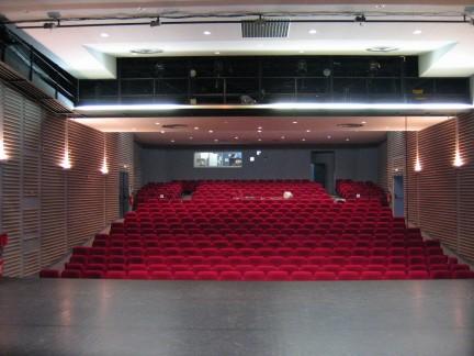 09/10/2010 - Theatre Simone Signoret, Conflans saint Honorine (78) (France) Simone10
