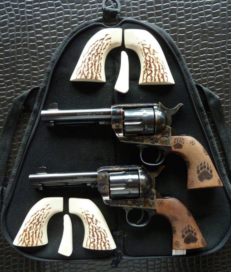 (ARMES VENDUES) 2 revolvers Pietta 1873 - 44-40w P1010810