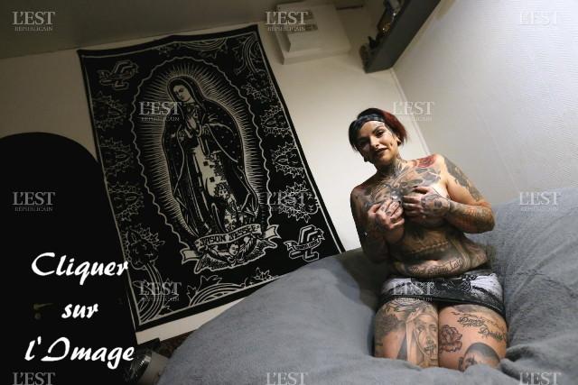 Une Mendubienne tatouée à 90 % de son corp Magali10