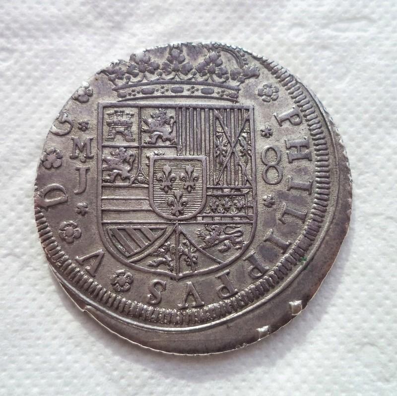 8 reales de Felipe V, Madrid, 1710 Dsc00910