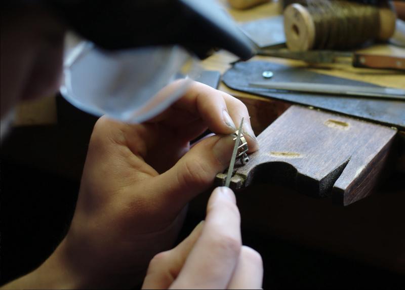 Pendentif 8 griffes et bélière sertie Dsc_0651