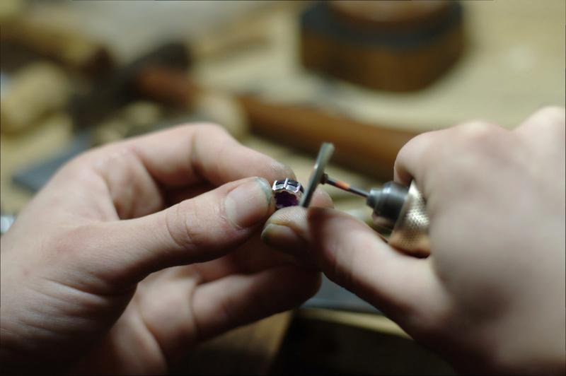 Pendentif 8 griffes et bélière sertie Dsc_0654