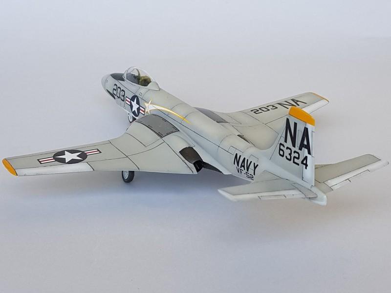 McDonnell F2H-3 Banshee de chez Academy au 1/72. Banshe12