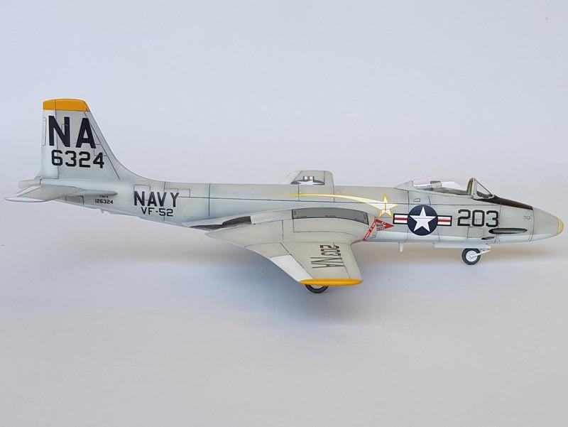 McDonnell F2H-3 Banshee de chez Academy au 1/72. Banshe13