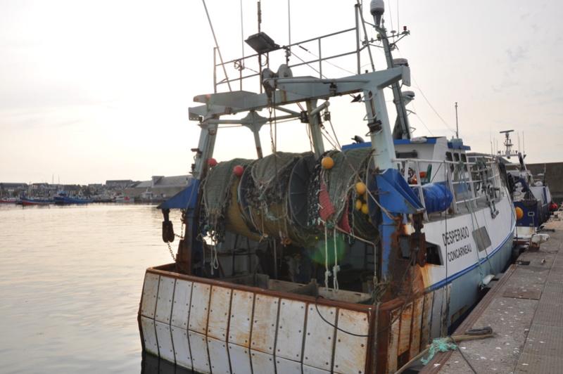[VIE DES PORTS] Quelques bateaux de pêche (sur nos côtes Françaises) - Page 36 56311