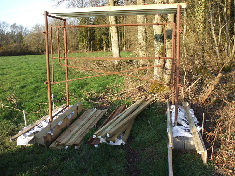 construction de miradors et postes d'affût - Page 20 Dscf4464