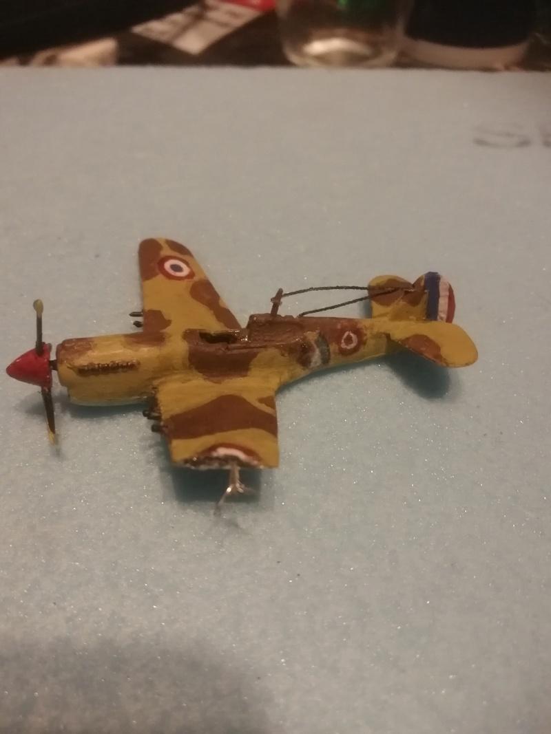 Curtiss P-40 Warhawk 1/144  Img_2073