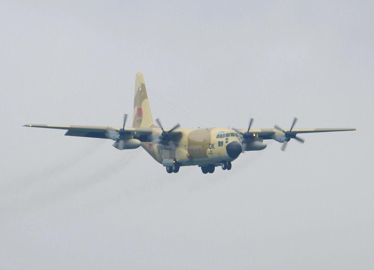 FRA: Photos d'avions de transport - Page 36 C130h210