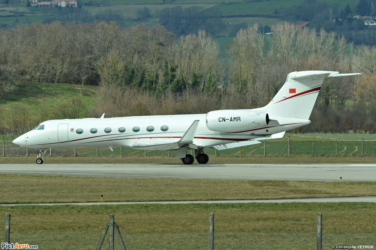 FRA: Avions VIP, Liaison & ECM - Page 19 Clipb137
