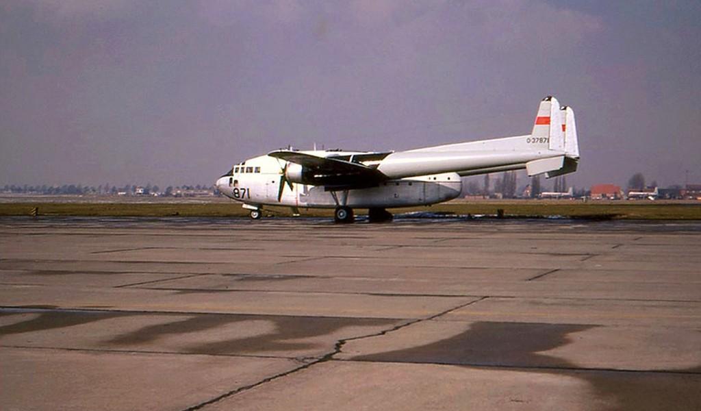FRA: Photos anciens avions des FRA - Page 10 Clipb152